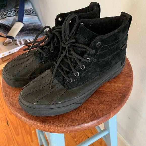 13c3a4b96c8561 Vans shoes hi del pato duck boots poshmark jpg 580x580 Del pato vans duck  boots